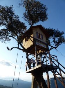 Familienspaß Baumhaus bei Banos (Ecuador)