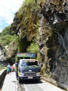 Ecuador mit Kind - Chiva-Tour zu den Wasserfällen von Banos