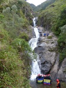 Ecuador mit Kind - Canyoning im Wasserfall bei Banos