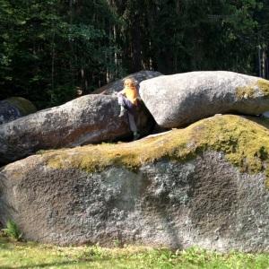 Felsenlabyrinth Luisenburg Fichtelgebirge mit Kind